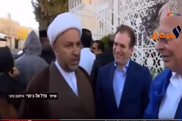 Iبالفيديو:فلسطينيون يطردون وفدا بحرينيا من باحات المسجد الأقصى