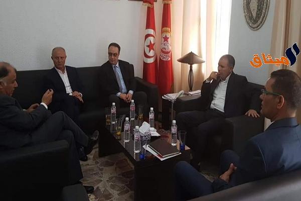 Iالأزمة السياسية في تونس محور لقاء جمع الطبوبي بحافظ السبسي